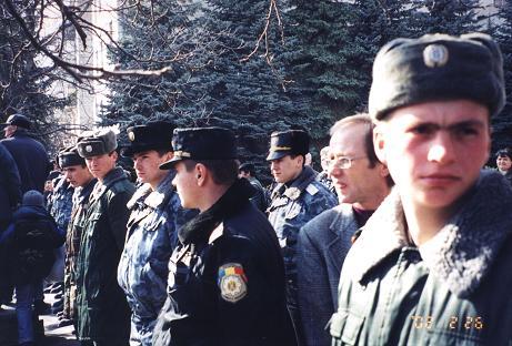 b-politie-chisinau-guvern-roncea.jpg
